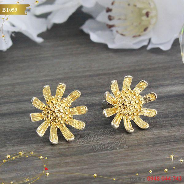 Bông tai Korea hoa vàng xinh xắn.