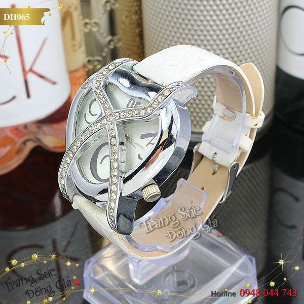 Đồng hồ thời trang nữ.