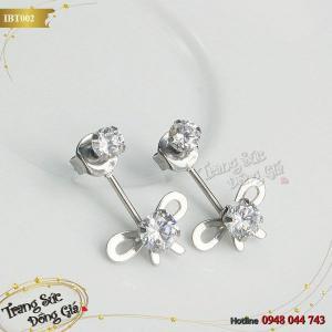 Bông tai Inox hoa đính đá xinh xắn.